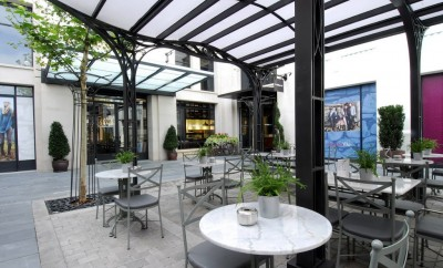The-Lobby-Cafe_exterior_LZV2