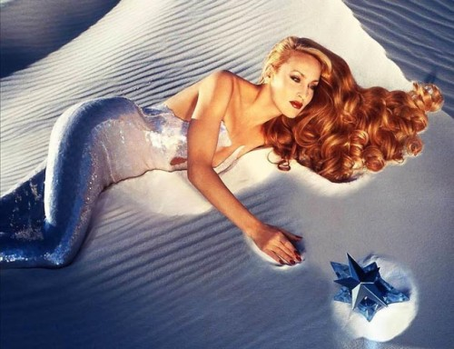 Jerry-Hall_Angel_Thierry-Mugler