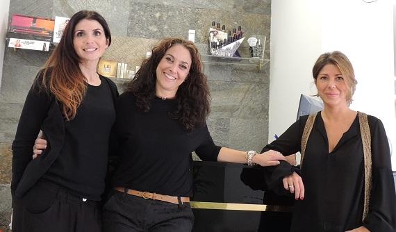 Katalina y Marta, propietarias de Karma Luxury, junto a Rosana Rocha (en el centro), una gran amiga mía.