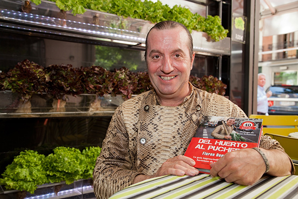 """Floren Domezain, conocido como """"El Rey de las Verduras"""", ha abierto este espectacular restaurante junto a su mujer, Mercedes Lázaro."""