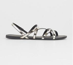 Sandalias de tiras metalizadas, de Blanco (19,99 €)