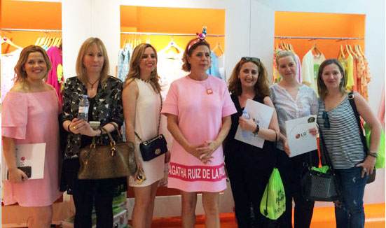 Agatha Ruiz de la Prada nos atendió a todas las bloggers de tendencias personalmente y se mostró cercana y encantadora en todo momento. Buena elección la de LG.
