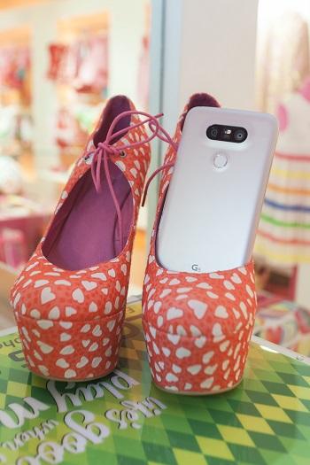 Moda y tecnología están presentes a partes iguales en el primer móvil modular del mercado.
