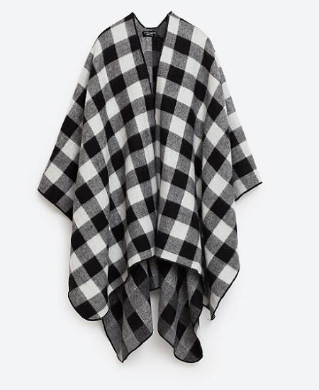Poncho Zara 9,99 €