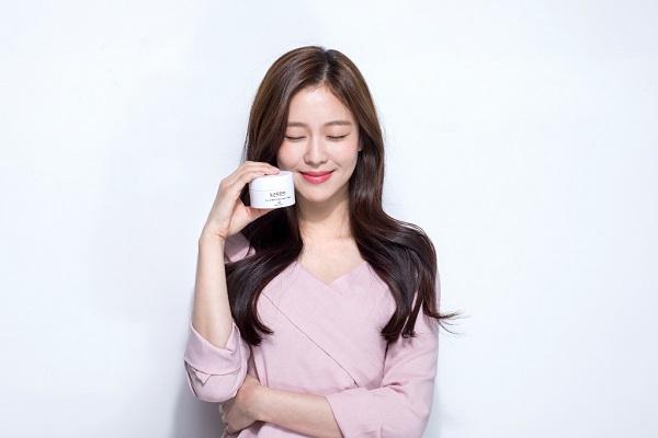 Kyung Soo Jin, actriz y modelo surcoreana, imagen de LAGOM Corea 2 (1024x683)