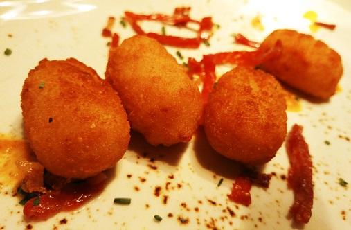 Croquetas de jamón ibérico.