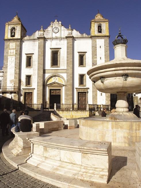 Plaza de Giraldo en Évora