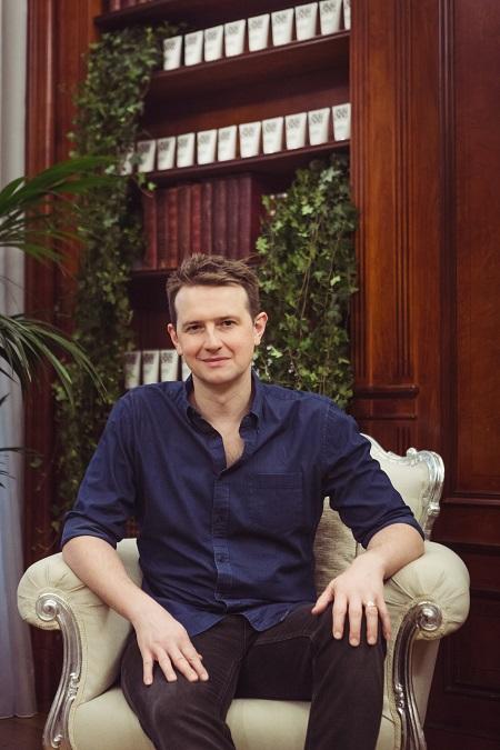 Simon Duffi, creador de Bulldog, se lanzó a esta aventura al observar que la cosmética masculina