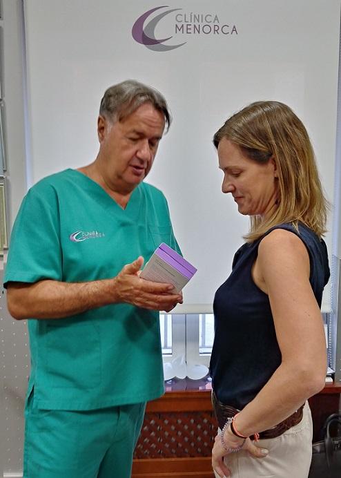 El Doctor Ángel Martín, Director de la Clínica, me asesoró en todo momento y se encargó de realizarme el procedimiento. ¡Una maravilla!