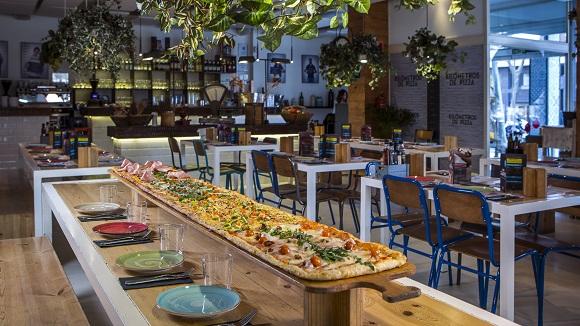 Este establecimiento es conocido por sus míticas pizzas de 2 metros.